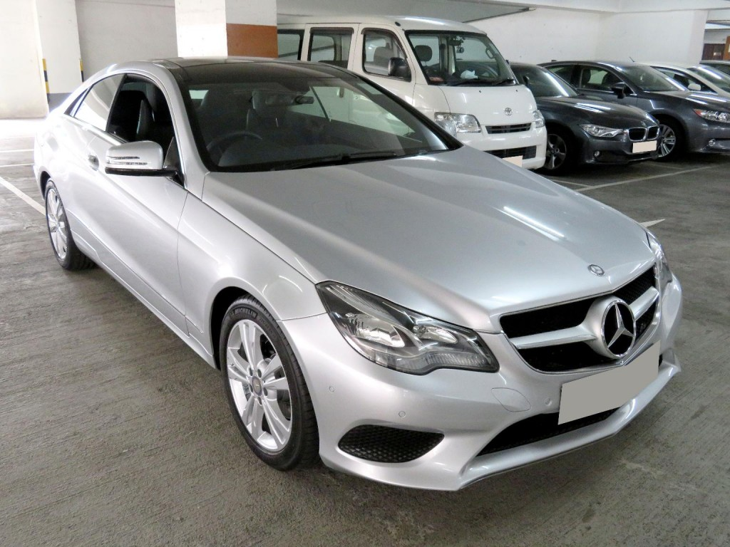 Mercedes-Benz E200 COUPE FL