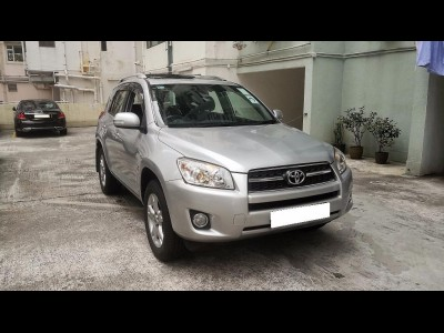 Toyota RAV4 DELUXE