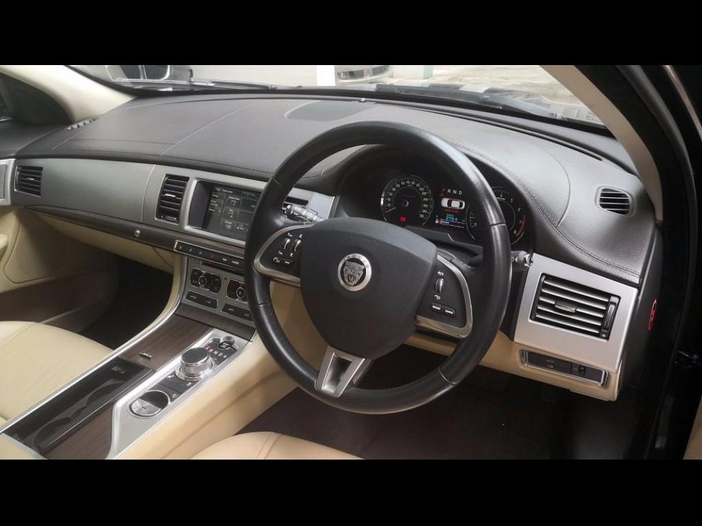 Jaguar XF 3.0 LUXURY