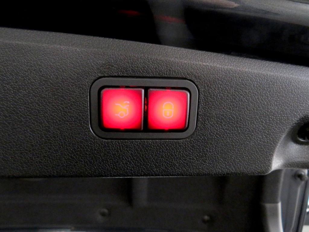 Mercedes-Benz E300 AVANTGARDE FACELIFT