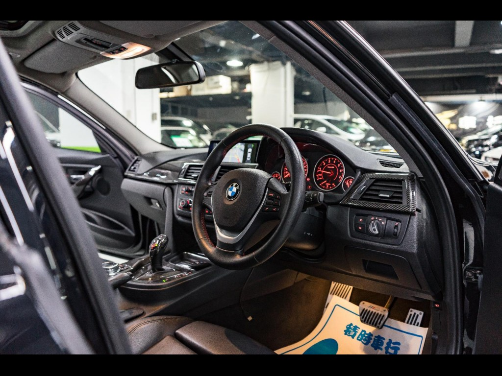 BMW  328i M Sport