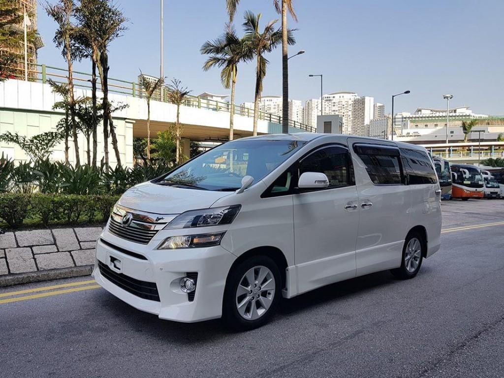 Toyota VELLFIRE 2.4