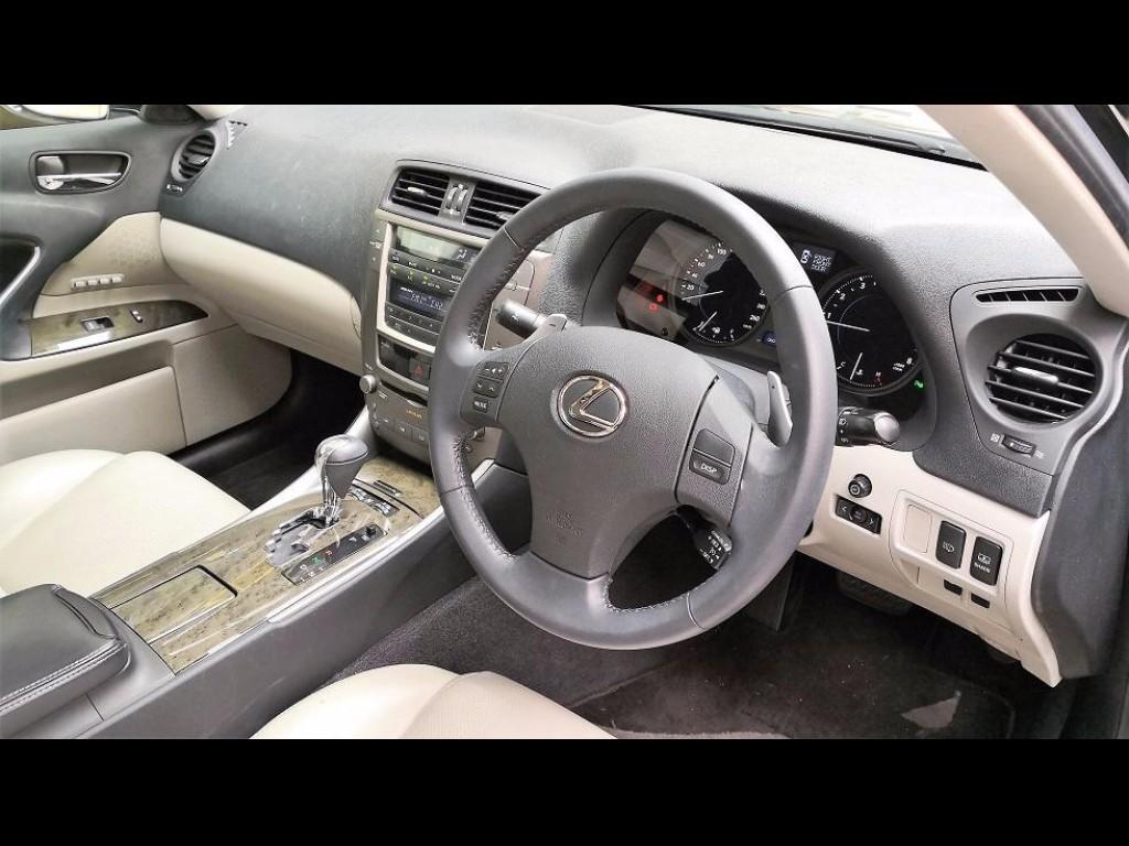 Lexus IS250 DELUXE
